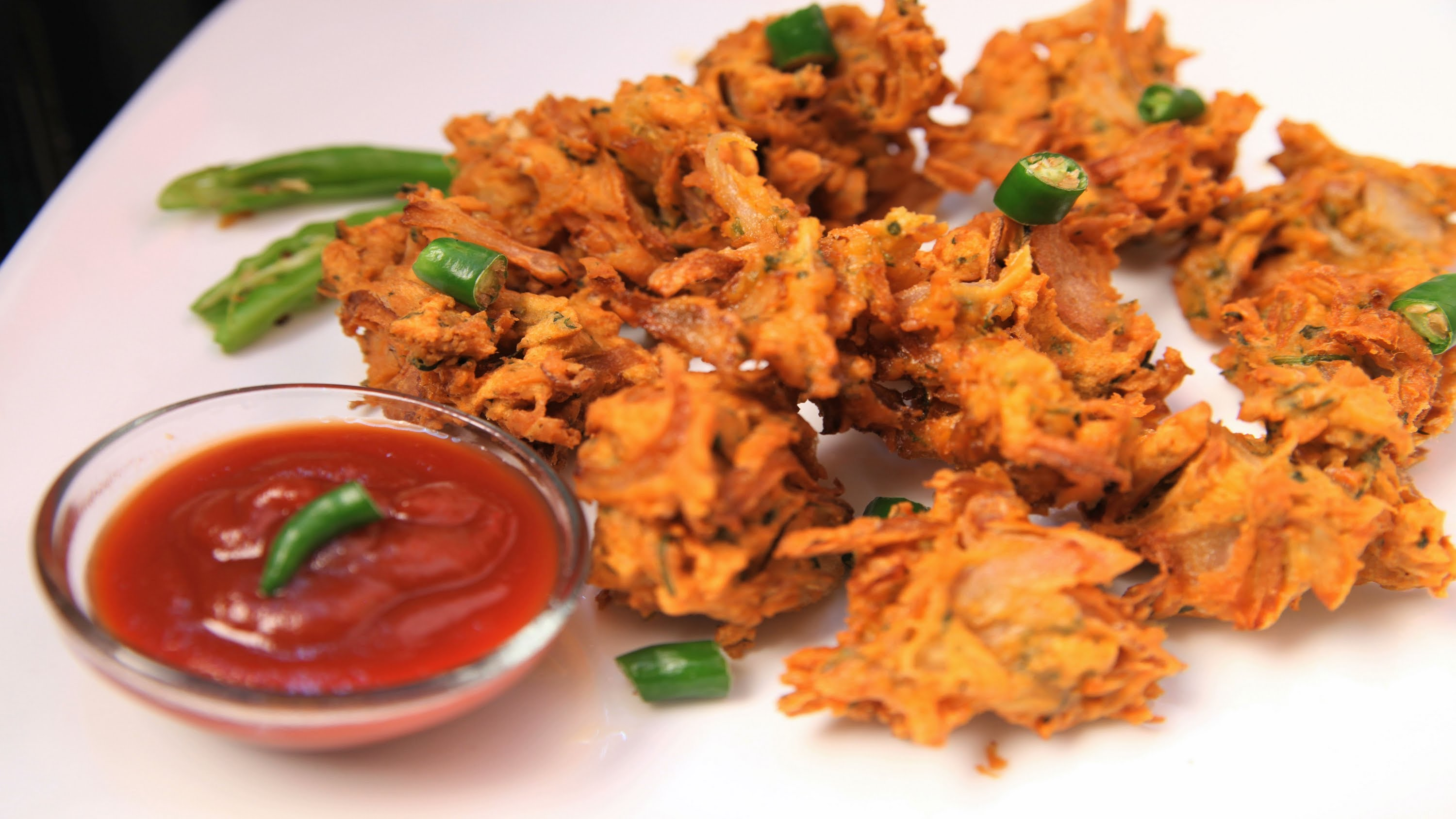 5 Tastiest Indian Snacks You Must Try This Monsoon Jfw